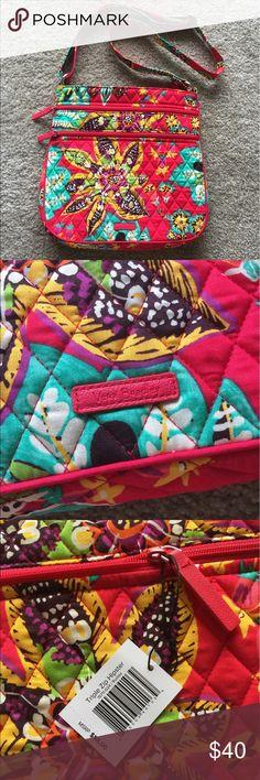 Vera Bradley triple zip hipster in new Rumba Brand new with tags triple zip hipster style in new summer print Rumba. Perfect condition! Vera Bradley Bags Crossbody Bags