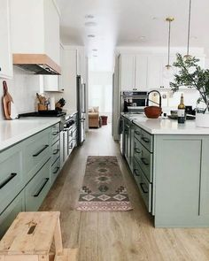 kitchen remodel before and after & kitchen remodel . kitchen remodel on a budget . kitchen remodel before and after . kitchen remodel with island . Home Decor Kitchen, New Kitchen, Home Kitchens, Kitchen Ideas, Kitchen Updates, Narrow Kitchen, Small Kitchens, Apartment Kitchen, Awesome Kitchen