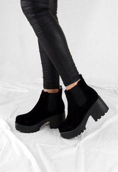 Chelsea Ankle Boots, Black Ankle Boots, Heeled Boots, Shoe Boots, Fashion Pants, Fashion Shoes, Rainbow Sneakers, Stylish Sandals, Ankle Strap Flats