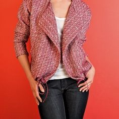 This blazer pattern is for a sport-chic blazer. The blazer is collarless with wide lapels that are included in the front pattern piece. It is an excellent piece to have in your wardrobe and a great garment to transition into spring. It … Continued Coat Patterns, Dress Sewing Patterns, Sewing Patterns Free, Free Sewing, Clothing Patterns, Free Pattern, Sewing Designs, Skirt Patterns, Blouse Patterns