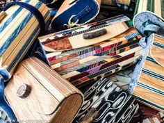 """Aus Holz kann man viele schöne und praktische Sachen herstellen. Was Thomas Neuhold aus Gleisdorf daraus zaubert, bringt vor allem Frauenherzen zum Höherschlagen: Thomas stellt Holz-Handtaschen her. """"Ich wollte etwas Ausgefallenes machen,"""" erzählt der kreative Holzwurm. """"Frauen wollen immer Handtaschen haben, warum nicht eine aus Holz machen?"""" Umso regionaler sind dafür die """"Zutaten"""", die Thomas …"""