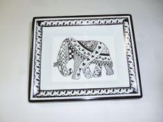 """vide poche éléphant """"l'éléphant venu d'ailleurs"""" de la boutique atelier714 sur Etsy"""