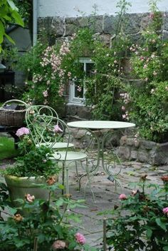 Romantic Garden Design With Pathways Contemporary: Cottage Garden Design Ideas Patio Shabby Chic Style With Small Gardens, Outdoor Gardens, Garden Seating, Garden Table, Outdoor Seating, Outdoor Dining, Outdoor Decor, Garden Cottage, Garden Spaces