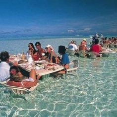 Love Key West Travelcompanion Ilha De Bora French Polynesia Restaurant Tables