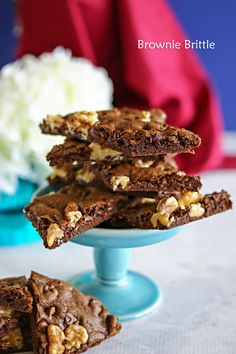 """If you love the chewy, fudgy edges of brownies, then you will love this Brownie Brittle. Packed full of walnuts & chocolate chips, a brownie lovers dream. The post Brownie Brittle appeared first on Kleinworth & Co. Candy Recipes, Brownie Recipes, Sweet Recipes, Baking Recipes, Cookie Recipes, Dessert Recipes, Brownie Brittle Recipe, Snack Recipes, Cookie Desserts"