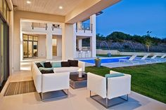 Spanish Oaks Residence by Cornerstone Architects Austin, Texas http://www.arquitexs.com/2014/06/casa-minimalista-Spanish-Oaks-Cornerstone-Architects-Austin-Texas.html