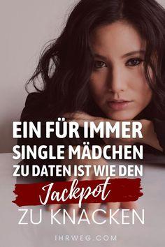 """Ein Mann der ein """"für immer Single"""" Mädchen datet wird sich fühlen als hätte er den Jackpot geknackt. Sie wird all das sein wovon er geträumt hat, und noch mehr. Single Sein, Feeling Lonely, Inner Peace, Hugs, Hard Work"""