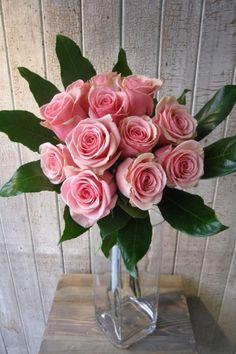 Des fleurs à la Fête des mères, c'est un incontournable. Fleuriste Abaca offre les plus belles, les plus fraiches et le meilleur choix de fleurs à Montréal.
