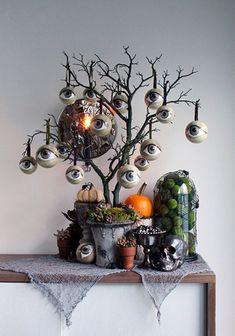 Retro Halloween, Halloween Prop, Dollar Store Halloween, Halloween Trees, Halloween Home Decor, Outdoor Halloween, Holidays Halloween, Halloween Horror, Halloween Tree Decorations