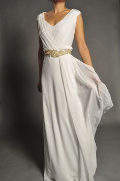 Vestido de novia estilo griego modelo 360 by Veneno en la piel | Boutique Clara. Tu tienda de vestidos de fiesta.