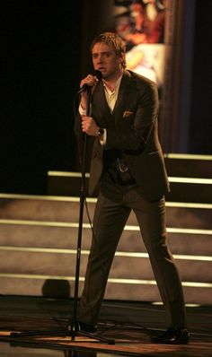 Ricky Wilson Photos: Show At The Brit Awards 2006 With Mastercard
