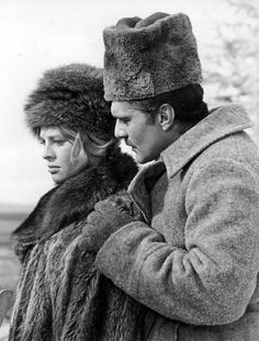 finestrasulcortile:    Julie Christie and Omar Sharif in Doctor Zhivago [1965]