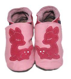 INCH BLUE: KRABBELSCHUHE FAWN in pink via KIDS NY. Klick aufs Foto!