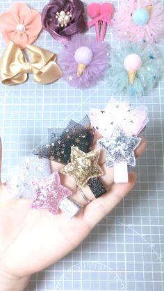 Tulle Hair Bows, Diy Hair Bows, Diy Ribbon, Ribbon Crafts, Baby Hair Accessories, Diy Hair Accessories To Sell, Diy Bracelets Easy, Diy Crafts For Gifts, Making Hair Bows
