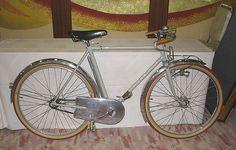 Toei Demontable Porteur by cycleczar, via Flickr
