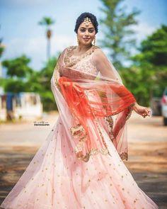 Shamna Kasim (Poorna) Hot HD Photoshoot Photos in White & Pink Dress Bollywood Actress Hot Photos, Actress Photos, Pink And White Dress, Pink Dress, Shamna Kasim, Hd Wallpapers For Mobile, Beautiful Girl Indian, Beautiful Saree, Stylish Sarees