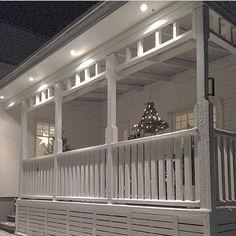 Andra julen jag bodde i huset gjorde jag och min pappa denna fina ljuskrona som hängde över matbordet ute på den Amerikanska verandan. Nu…