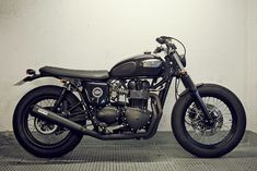 2004 Triumph Bonneville by Spanish builder Cafe Racer Dreams.