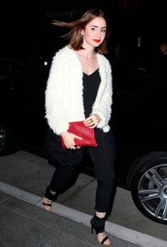 Looks celebrities invierno tendencias: LILY COLLINS.