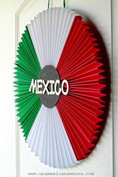 Decora tu Puerta hoy 15 de Septiembre con esta Corona tricolor - Hispanic Heritage Month - Independencia de México -