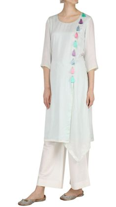 Kurti with cute detailing😉