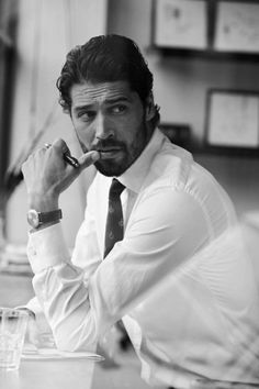Style classy men beards 46 Ideas for 2019 Portrait Photography Poses, Man Photography, Business Portrait, Posca Art, Creation Photo, Men Photoshoot, Classy Men, Male Poses, Gentleman Style