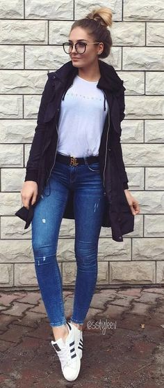 fall inspiration_jacket + sweatshirt + skinny jeans + sneakers