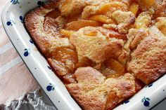 Easy recipe for Southern-style old-fashioned peach cobbler dessert