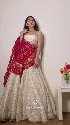Party Wear Indian Dresses, Designer Party Wear Dresses, Indian Gowns Dresses, Indian Bridal Outfits, Dress Indian Style, Indian Fashion Dresses, Indian Designer Outfits, Indian Bridal Fashion, Wedding Lehenga Designs