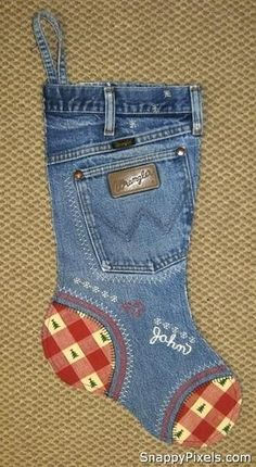 Old Jeans Stocking.....and boy do I have jeans and pockets....                                                                                                                                                     Mais