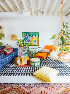 All New Jungalow HQ: Big reveal! (Justina Blakeney - The Jungalow) Colourful Living Room, Boho Living Room, Living Room Decor, Bedroom Decor, Living Room Plants, Bohemian Living, Bohemian Decor, House Plants, Living Rooms
