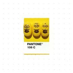 """Se você é designer gráfico ou amante de cores deve ter ou conhecer a paleta de cores da Pantone. A designer gráfico Inka Matthew começou a destacar e combinar a sua com objetos do dia a dia dela e de sua família, objetos que tenham algum significado ou apenas chamou atenção dela. Assim, ela iniciou o projeto """"TinyPMSMatch"""" que ano que vem virará livro! Venha ver mais combinações divertidas e legais em nosso site: DesignTendencia.com"""