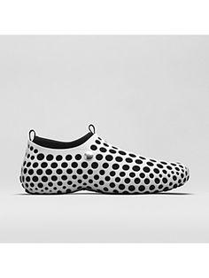 932e45e2aa3e ... in the Nike Zvezdochka Shoe features a unique modular two-layer design.  Originally created in 2004 by award-winning industrial designer Marc Newson