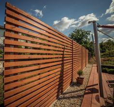 Drevený plot alebo treláž na popínavé rastliny Pergola, Backyards, Gardening, Outdoor Pergola, Garten, Backyard, Lawn And Garden, Garden, Arbors