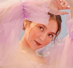 Aesthetic Women, Aesthetic Girl, Girl Photo Poses, Girl Photos, Filipino, Kathryn Bernardo Photoshoot, Dark Wallpaper Iphone, Asian Angels, Daniel Padilla