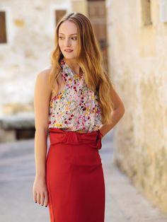 falda y top de les tulipes, disponible de alquiler en www.lamasmona.com