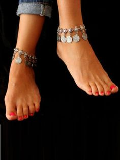 Compra FeelinGirl New Chaine Cheville Femme Foot Chain Gypsy Old Turkish Coin Silver Anklet Ankle Bracelet Beach Foot Jewelry Bijou Leg Chain en Wish- Comprar es divertido Silver Ankle Bracelet, Ankle Jewelry, Silver Anklets, Anklet Bracelet, Silver Ring, Gold Anklet, Silver Earrings, Silver Jewelry, Cheap Earrings