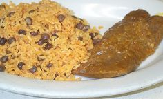 Holiday Traditions New and Old , Puerto Rican Pasteles y arroz con gandules. Puerto Rican Dishes, Puerto Rican Cuisine, Puerto Rican Recipes, Puerto Rican Pasteles, Puerto Rico, Christmas Eve Dinner, Christmas Meals, Good Food, Yummy Food
