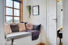 Miete Ferienhaus 26-0785 in Nordkrogen 24, Blaavand Danish Interior Design, Entryway Bench, Infrarot Sauna, Furniture, Home Decor, Room Layouts, Cottage House, Interior Designing, Interior