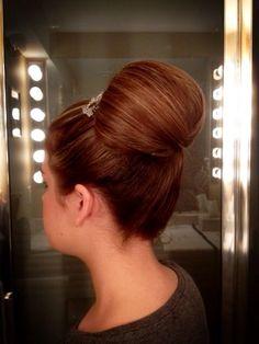 high bun; tucked bun ; grace kelly inspired;