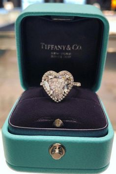 30 Breathtaking Tiffany & Co. Engagement Rings — Style Estate 30 Breathtaking Tiffany & Co. Ring Set, Ring Verlobung, Tiffany Jewelry, Figurine Lego, Formal Casual, Tiffany & Co., Swarovski, Baguette Diamond Rings, Wedding Ring Designs