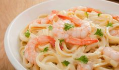 Recette Tagliatelles aux crevettes et au parmesan : Voici une bonne recette de pâtes aussi délicieuse que goûteuse.