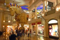 FAO Schwarz at the Forum Shops. Photo credit: Las Vegas News Bureau  #theforumshops