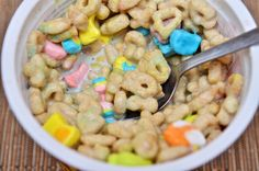 Lucky Charms - General Mills - Breakfast - Dessert - Céréales Lucky Charms test - USA - Cereals Lucky Charms - Snack - Marshmallow - Guimauves