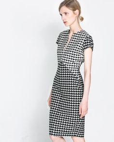 HOUNDSTOOTH CHECK DRESS from Zara... need it now