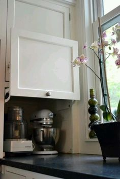 Hidden appliances- stand mixer and vitamix