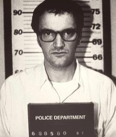 Quentin Tarantino Richard Gecko From Dusk Till Dawn (Film) Mugshot Quentin Tarantino, Tarantino Films, From Dusk Till Down, Dusk Till Dawn, Pulp Fiction, Martin Scorsese, Um Drink No Inferno, Celebrity Mugshots, Inspiration Artistique