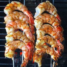 I'm absolutely craving seafood right now. Can't wait for those whole lobsters from the_lobster_guy on NYE . Credit to @the_bbq_buddha : Food morning people! Rise and shine to some big fat shrimp skewered and grilled direct... yum. . . . #Grill #Grilling #BBQ #Barbecue #FoodPorn #GrillPorn #seafood #Shrimp #Shrimps #grilledseafood #grilledshrimp #Food #FoodPhotography #foodgasm #foodography #Meat #MeatPorn #meatlover #Paleo #GlutenFree #BrotherhoodofBBQ #EEEEEATS #ForkYeah #ManFood #Carnivore…