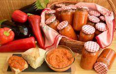 Zacuscă de vinete – Rețeta clasică Pretzel Bites, Eggplant, Sausage, Bread, Stuffed Peppers, Vegetables, Food, Spreads, Sausages