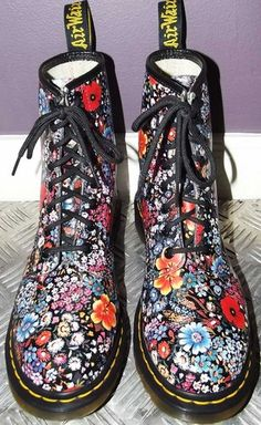 Old school! I think 8 are too big tho.. :(  RARE Floral Docs ❀ Dr Marten Boots 8 UK6 39 | eBay